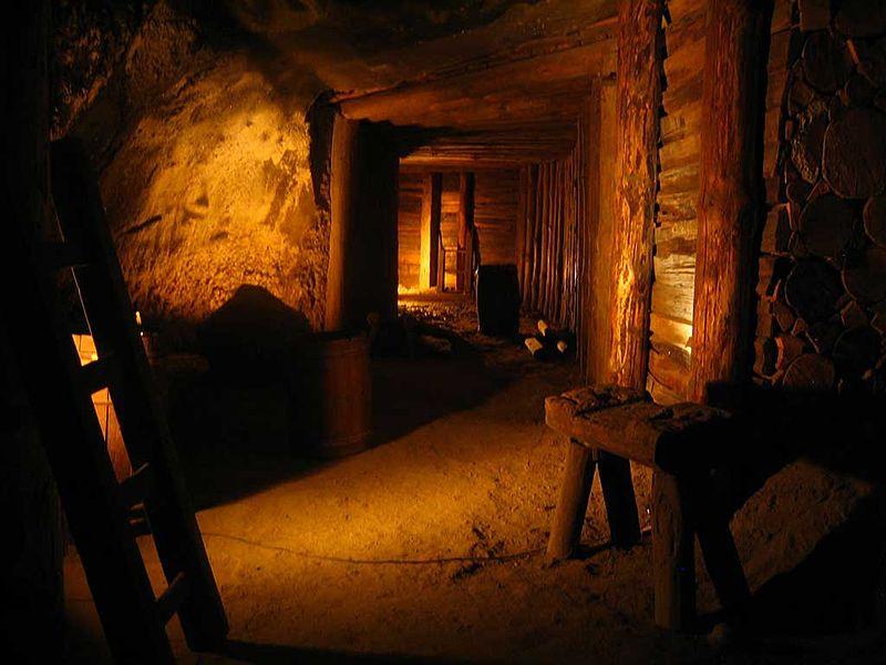 Wieliczka salt mine - old corridor